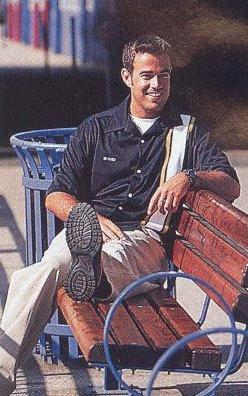 A Hot pic of Carson on a bench! *Quick Fact* Carson's Dad died when Carson was 5 from cancer!