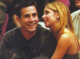Freddie is engaged to the actress Sarah Michelle Gellar (pictured here together)!